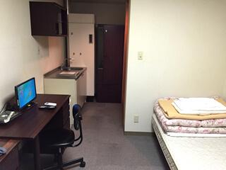 家具の揃った部屋
