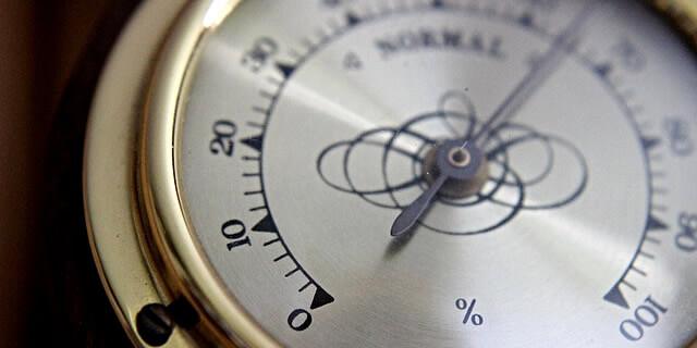 部屋の湿度を測る湿度計