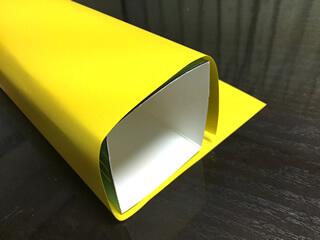 装飾用の紙を測る