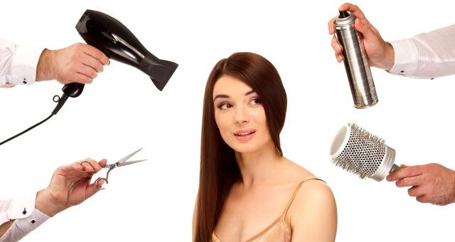 合コンのヘアアレンジに悩む女性