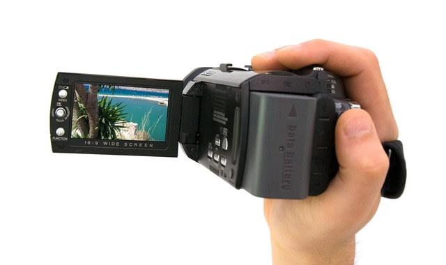 ビデオカメラで手持ち録画