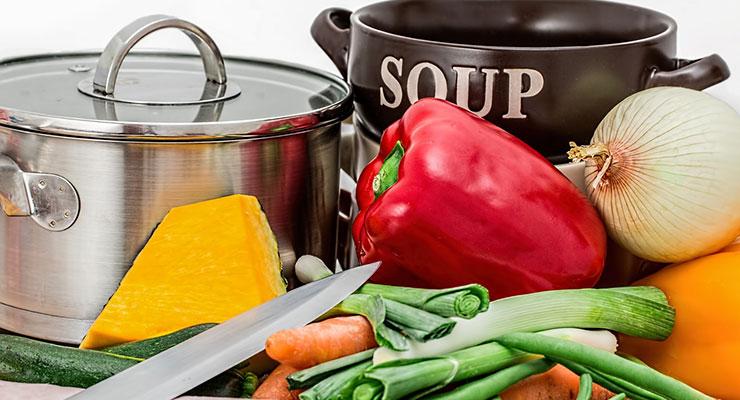 ホーロー鍋と普通の鍋