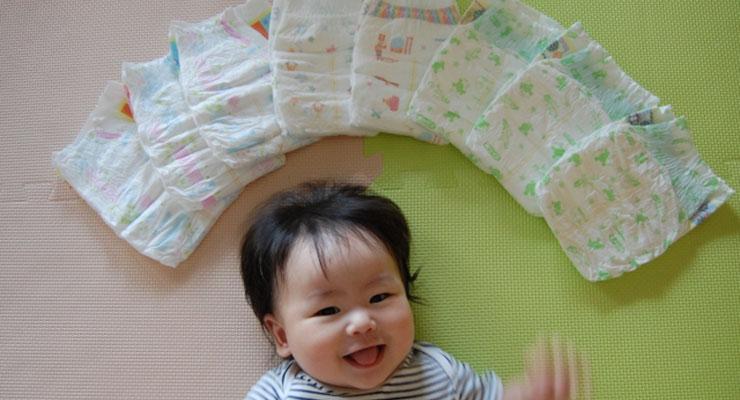 赤ちゃんとオムツ