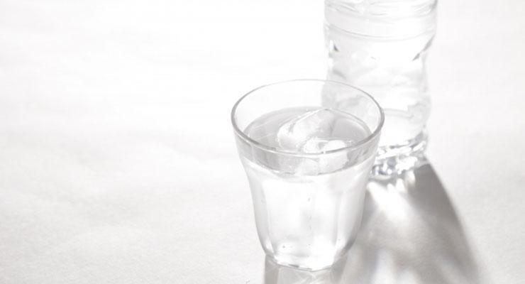 賞味期限切れの水2