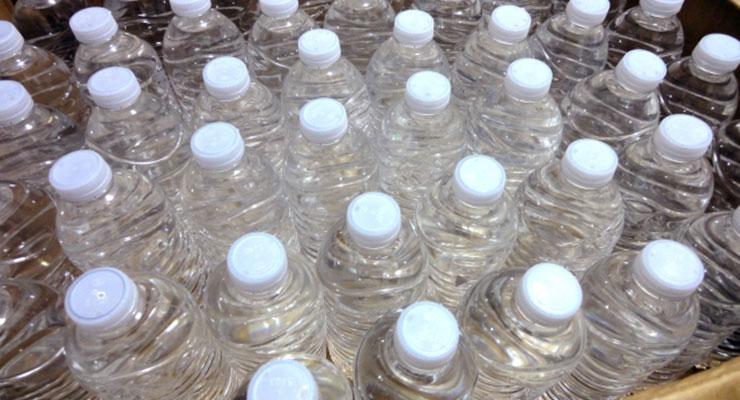賞味期限切れのペットボトルの水